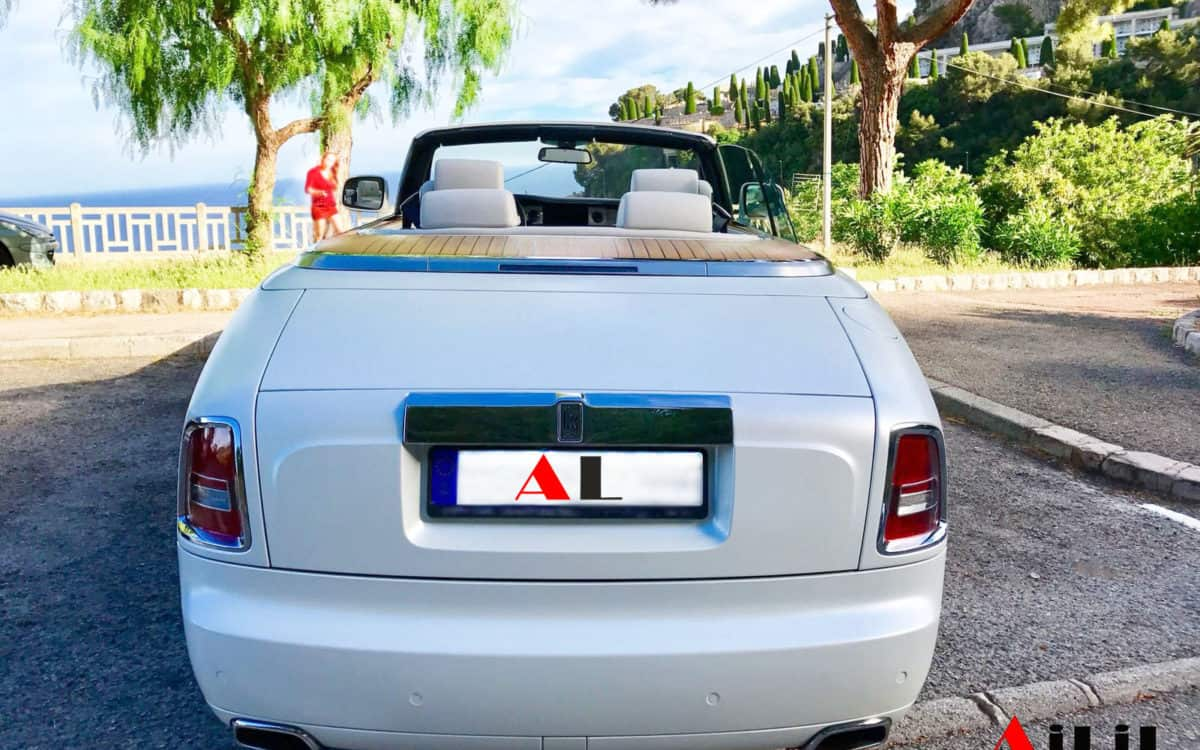 hire-rolls-phantom-in-cannes-france-ailil-world-rent