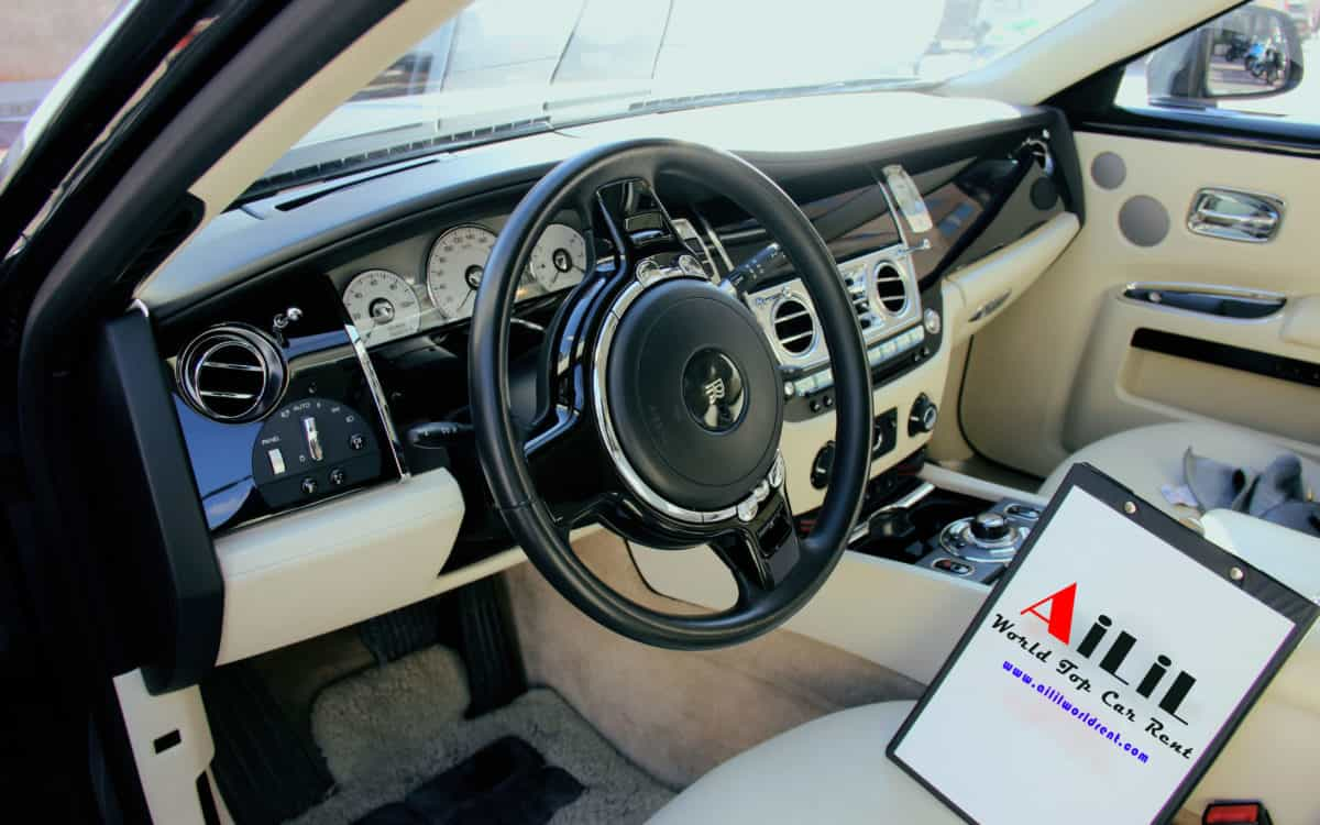 renting-rolls-royce-wedding-with-driver-in-nice-ailil-world-rent