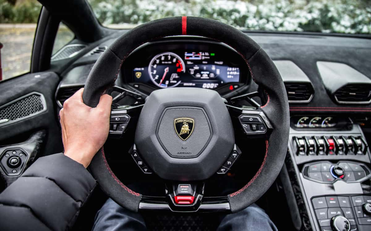 rent-now-huracan-performante-spider-in-monaco-ailil-world-rent